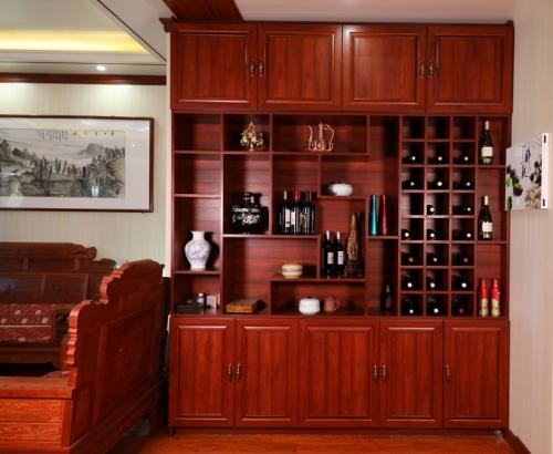 碧桂园一楼酒柜