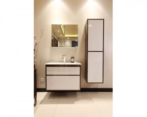 美凯龙卫浴柜白色